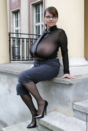 Mature, chubby and other sexy ladies