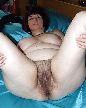Hairy amateurs masturbating