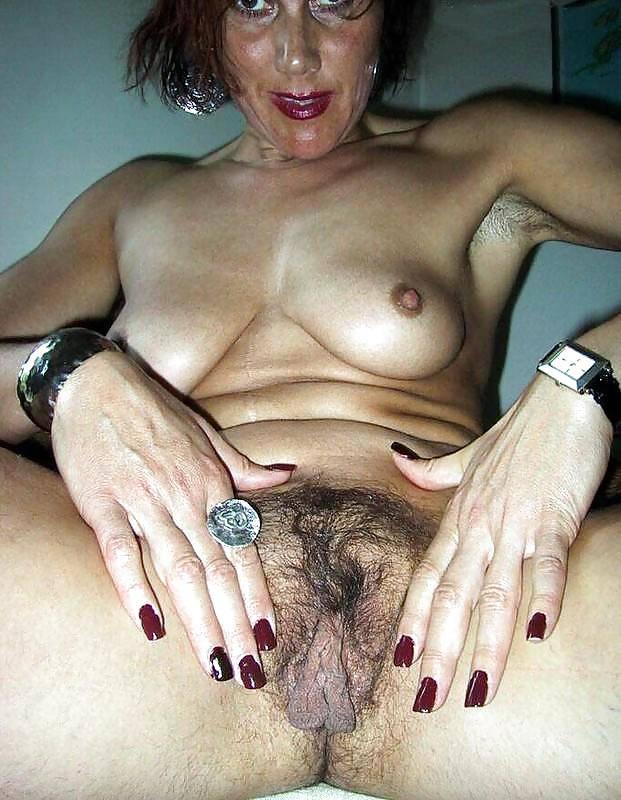 Pics lange schamlippen Nipple Modification