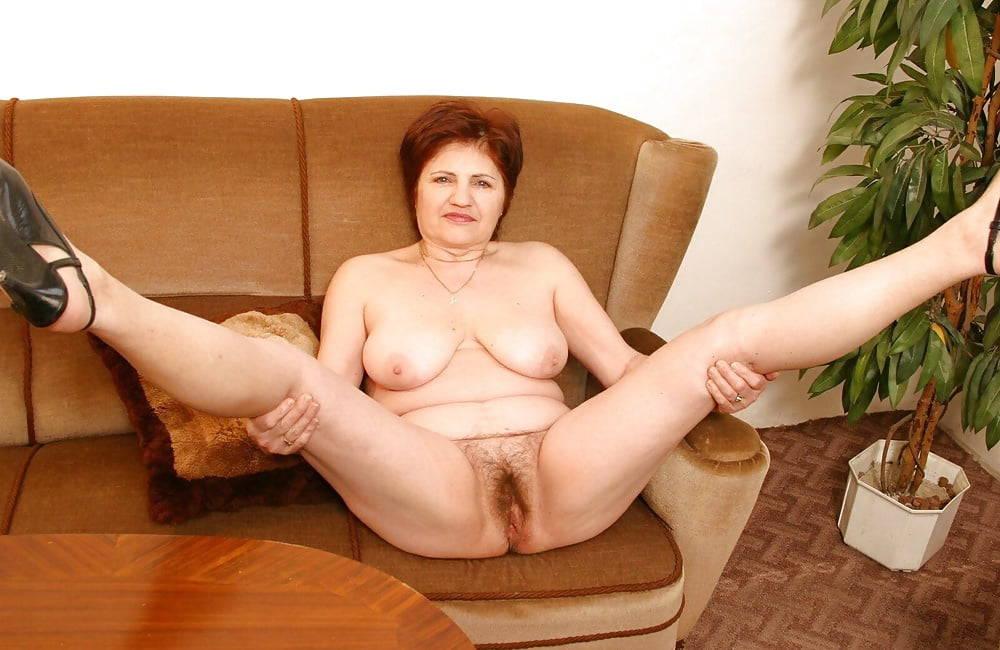 Картинка мужчина между ног у женщины уже согласен